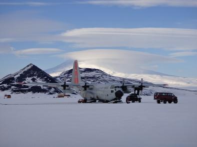 full on romance... at 4AM in Antarctica